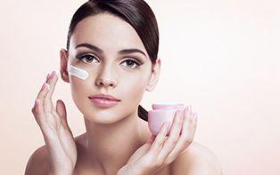 Hyaluronzuur: unieke hydratatie voor je huid, van buitenaf en van binnenuit
