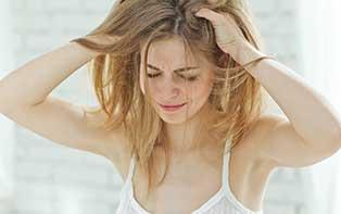 Last van een geïrriteerde of jeukende hoofdhuid? Vind verlichting dankzij je online apotheker