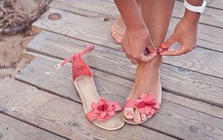 L'été = temps pour les sandales! 4 étapes pour préparer vos pieds à l'été!