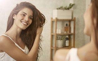 Le printemps et vos cheveux: la chute de cheveux saisonnière et les bons soins!