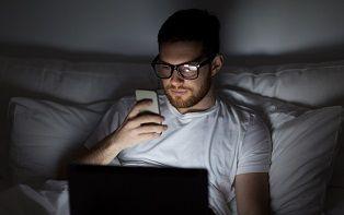 Les conseils de votre pharmacien en ligne contre la lumière bleue
