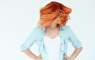 Tips van je online apotheker om gekleurd haar te herstellen