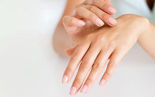 Les conseils de votre pharmacien en ligne en cas d'ongles décolorés ou déformés
