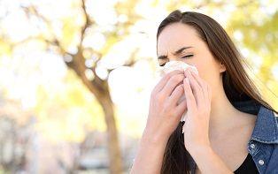 Je online apotheker legt het verschil uit tussen een verkoudheid en hooikoorts
