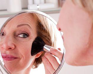 Zo ziet jouw make-up en kapsel eruit na je vijftigste